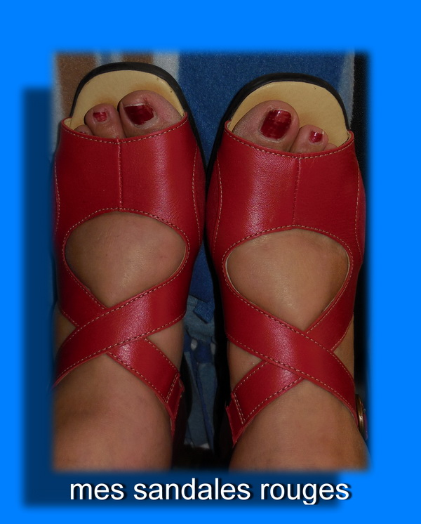 Blanche Neige - Page 3 Sandales%20rouges
